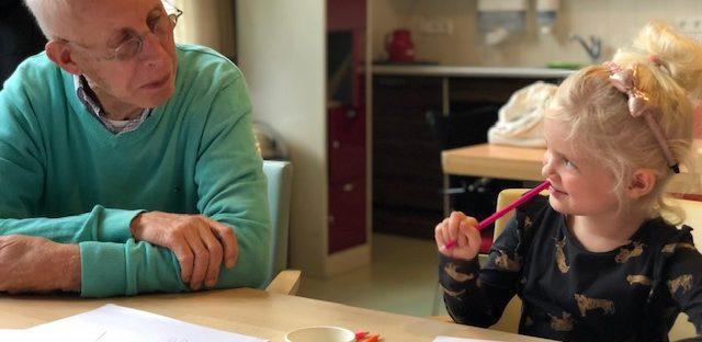 Kinderen en senioren ontwerpen samen Kidsbeweegroute bomenbuurt